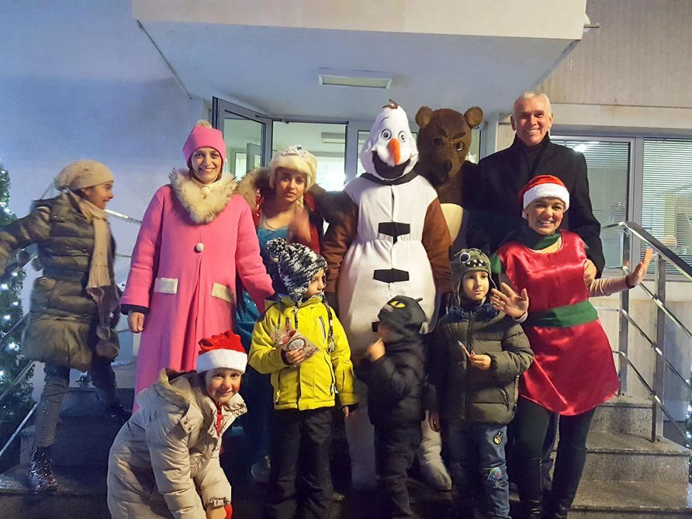 Грейнаха Коледните светлини с малчуганите в Правец